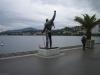 Freddies Statue vor wolkenverhangenem Himmel – ein paar Tage vor dem FMMMD