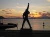 Freddies Statue bei Sonnenuntergang (jetzt ohne Leute)