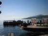 Kunstwerk und Boot zum Lake House
