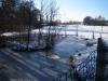 Das kleine Inselchen im Skulpturenpark im Winter (mit Schnee)