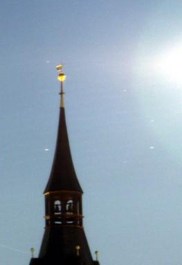 goldene Turmspitze (hell)