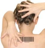 Strichcode im Nacken