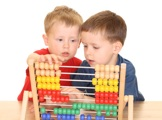 Kinder mit Abacus