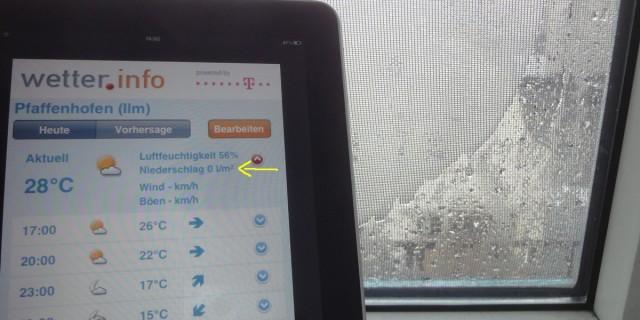 Wetter.info zeigt aktuell: Niederschlag 0 l/m² - Fenster ist aber sehr nass