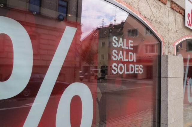 Schaufensterbeschriftung: % - Sale - Saldi - Soldes