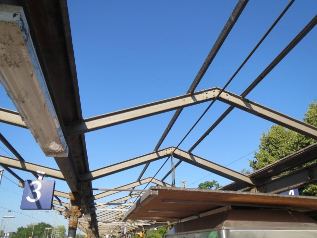 Bahnsteig-Dach Starnberg im Bau