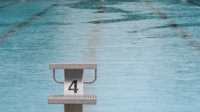 Schwimmbecken bei Regen IMG_4880