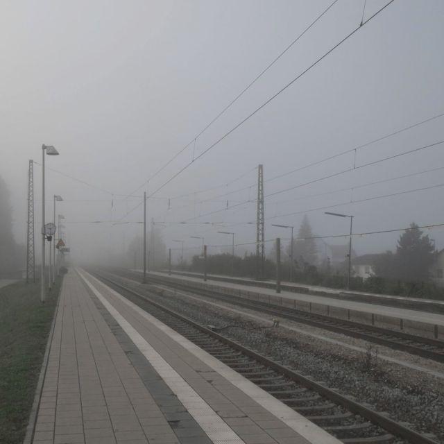 bahnhof-nebel